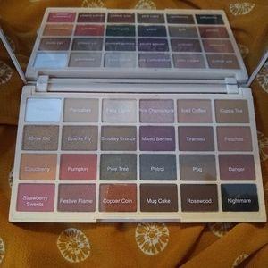 Makeup Revolution Sophx eye shadow palette!